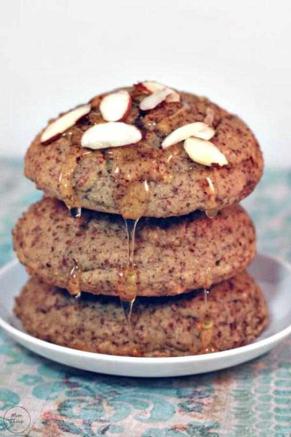 Honey Almond Breakfast Cakes