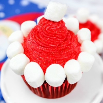 Santa Hat Cupcakes – Create A New Family Baking Tradition
