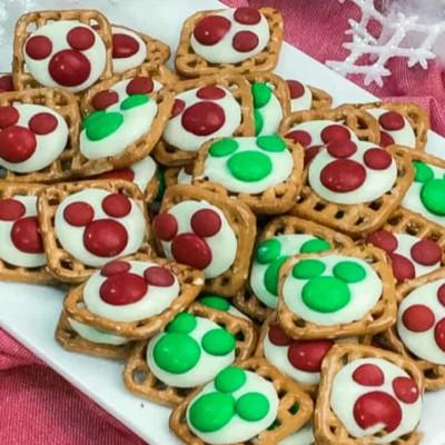 MICKEY MOUSE CHRISTMAS PRETZELS
