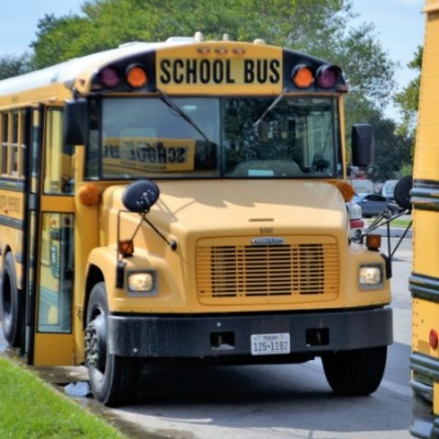How to Keep Students Safe on the School Bus Plus School Bus Safety Tips!