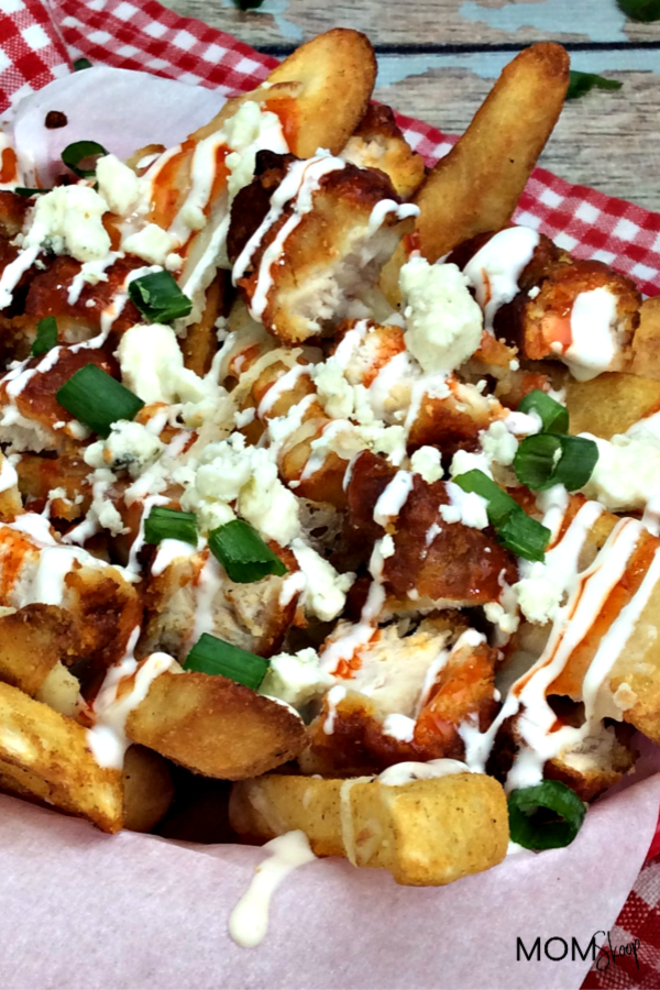 Buffalo Chicen Poutine