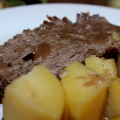 Best Beef Pot Roast and Potatoes Recipe & Giveaway! #MealthyMoms