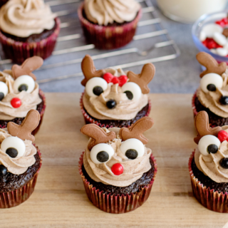 Reindeer Cupcakes with Cinnamon Cream Cheese Frosting