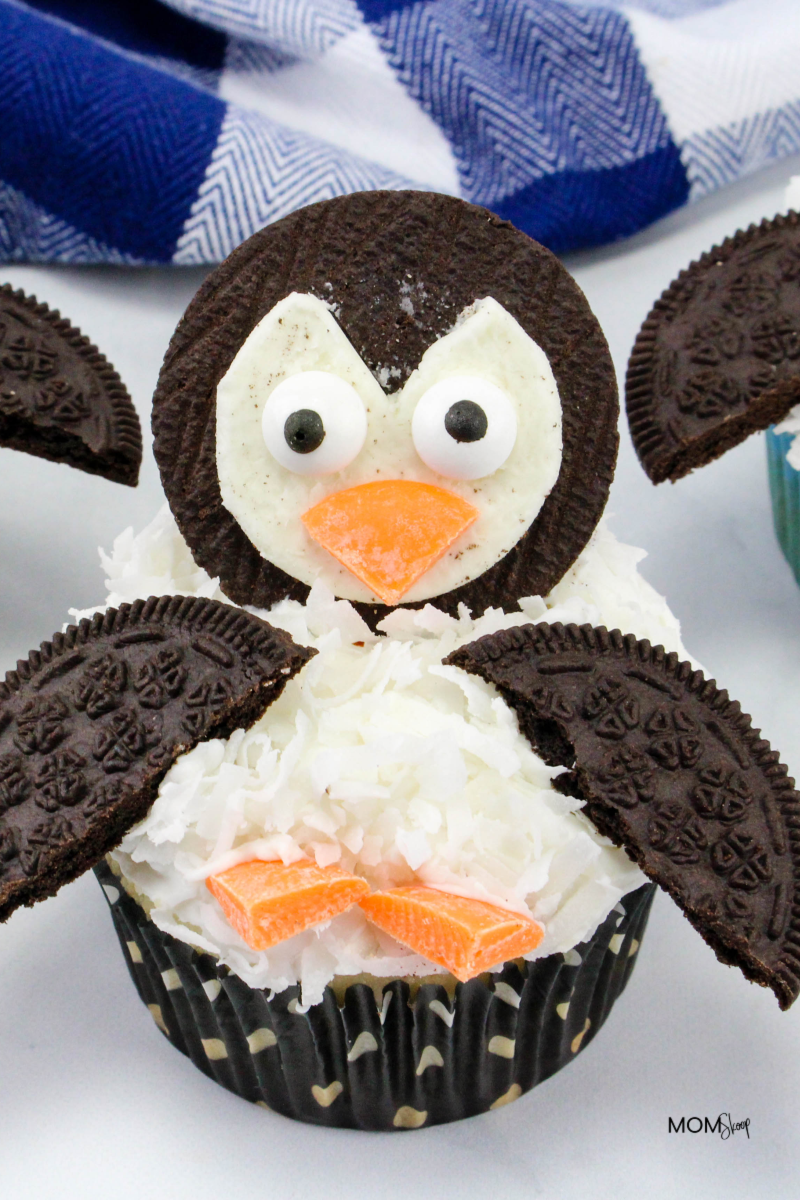 ea706f4afb0 Penguin Cupcakes - Perfectly Adorable Cupcakes! -