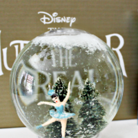 How to Make Your Own Land of Snowflakes Snow Globe