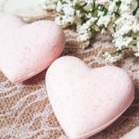 How to Make Pink Heart Bath Bombs