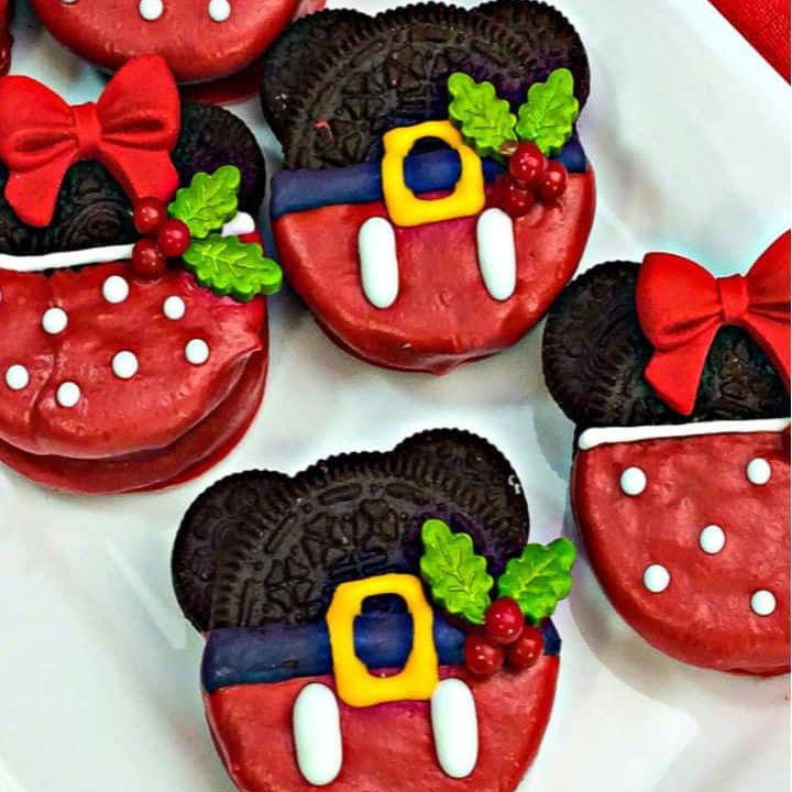 Mickey and Minnie Christmas Oreo Cookies